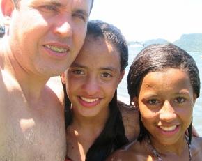 Papai, Victória e Nayara