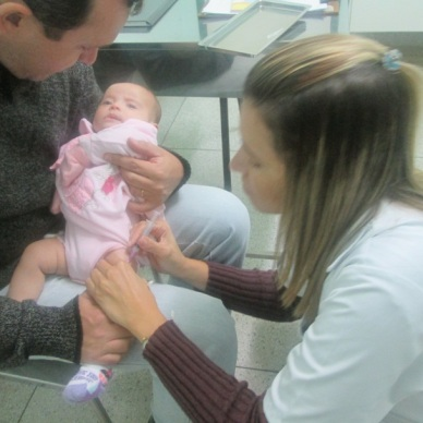 Bárbara 138 3º mês 20 Vacina PSF Casa Amarela