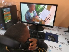 Guilherme Fernandes assistindo seu vídeo