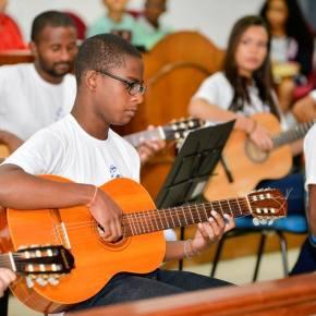Orquestra de Violões de Piraí - Frederick Gregório e Iago Luiz